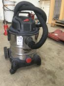 Power clean 240 volts Vacuum cleaner
