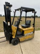 Cat 1.6 Electric Forklift