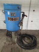 Blastline sand blasting tank and hose