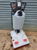 Lindhaus lw46 scrubber dryer