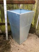 2 Tapered Galvanised planters - Indoors / outdoors - 40 x 40 x 80cm