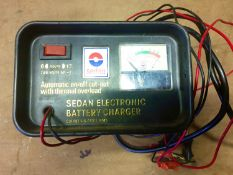 Vintage Sedan 6 and 12 volt battery charger
