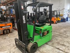 Clark Electric 3 Wheeled Forklift TMX15 2006