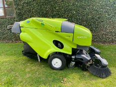 Green Machine Tennant 414S2D Pedecstrian Sweeper / Collector