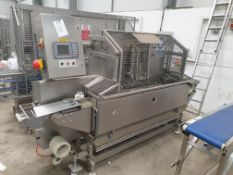 Sandwich cutting machine