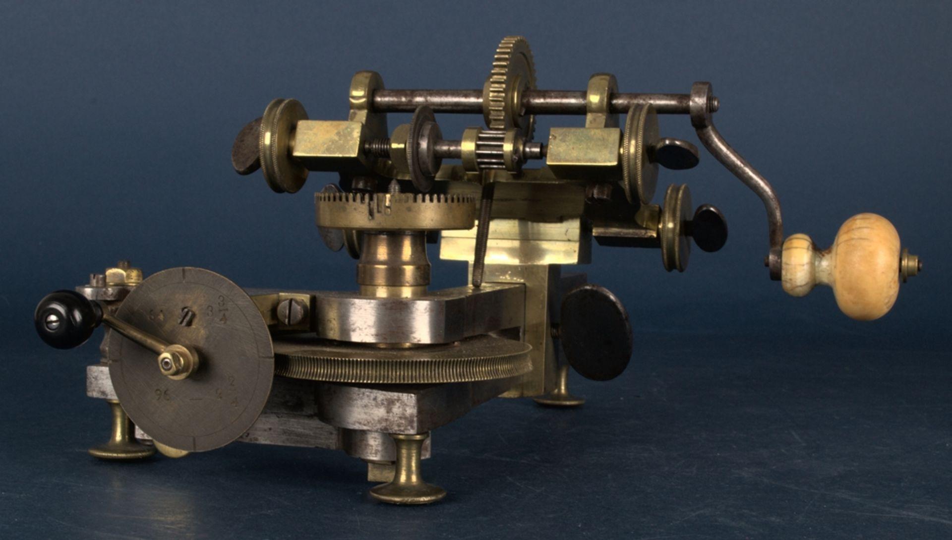 Zahnradfräsmaschine/Zahnräderschneidemaschine, frühes Uhrmacherwerkzeug, deutsch Mitte 18. Jhd., - Bild 16 aus 29