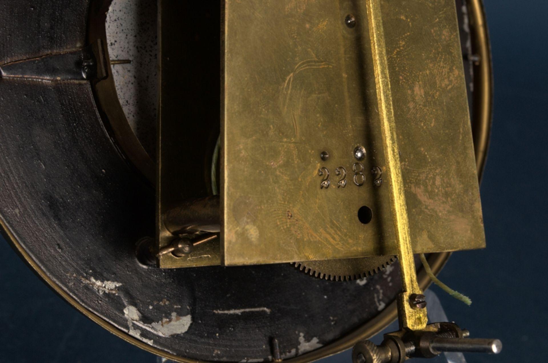 Wandregulator, eingewichtige, mechanische Wanduhr im Nussbaumgehäuse. Werk ungeprüft. Höhe ca. 95 - Bild 12 aus 19