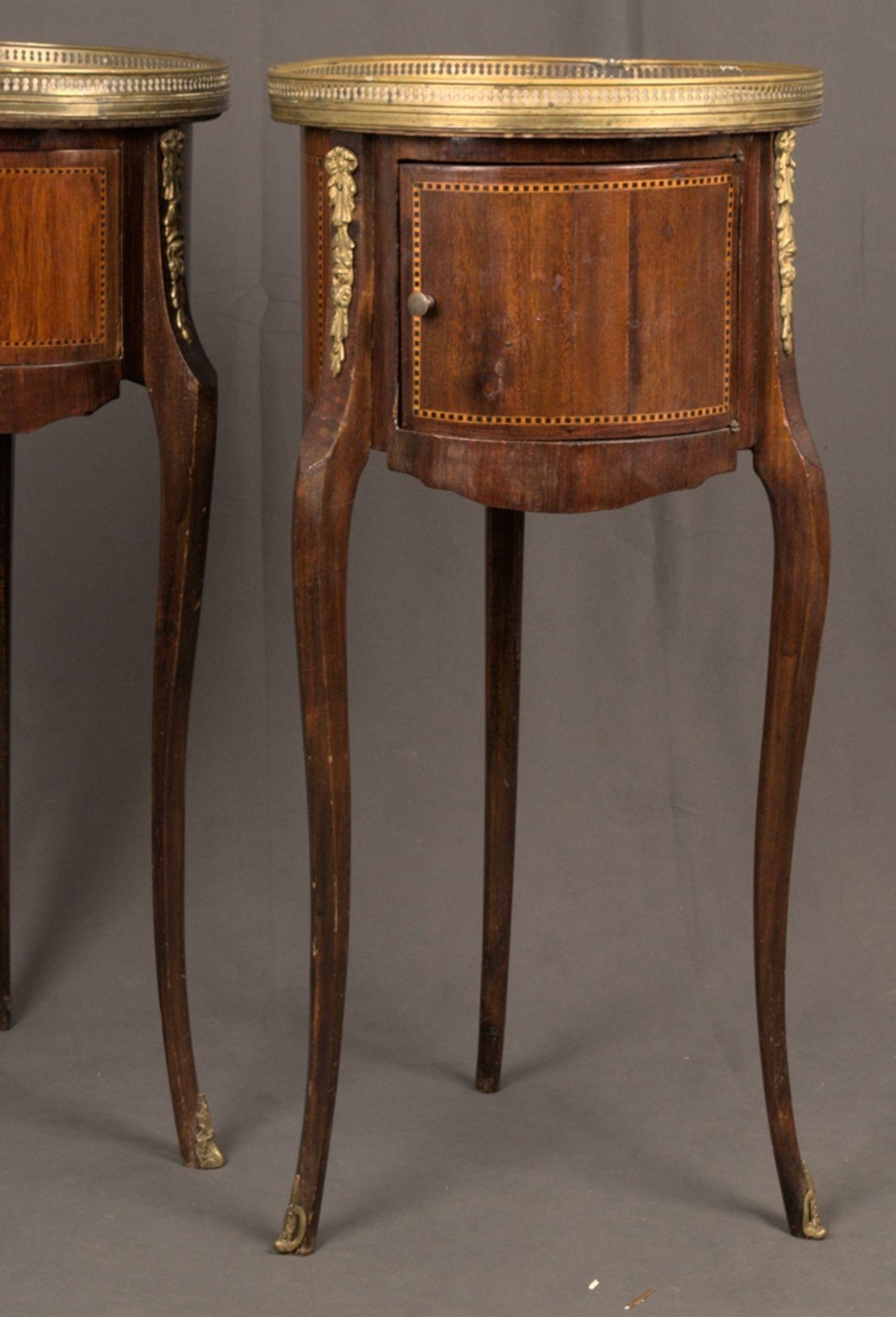 Paar eleganter, dreibeiniger Beistelltische sog. Gueridons, Frankreich 19./20. Jhd. Eintüriger - Bild 5 aus 19