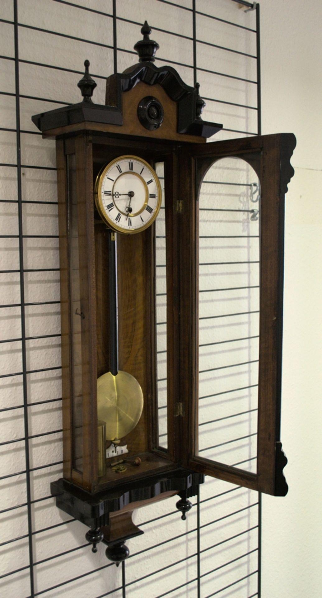 Wandregulator, eingewichtige, mechanische Wanduhr im Nussbaumgehäuse. Werk ungeprüft. Höhe ca. 95 - Bild 3 aus 19