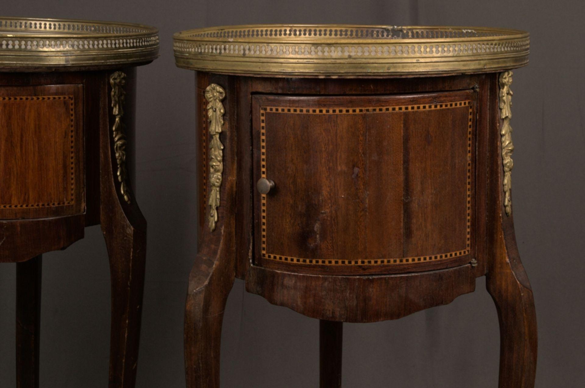 Paar eleganter, dreibeiniger Beistelltische sog. Gueridons, Frankreich 19./20. Jhd. Eintüriger - Bild 8 aus 19