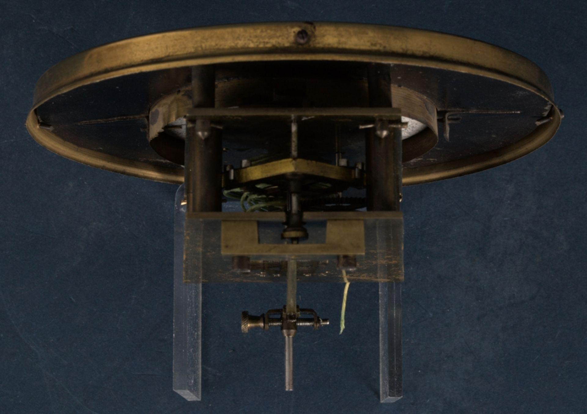 Wandregulator, eingewichtige, mechanische Wanduhr im Nussbaumgehäuse. Werk ungeprüft. Höhe ca. 95 - Bild 14 aus 19