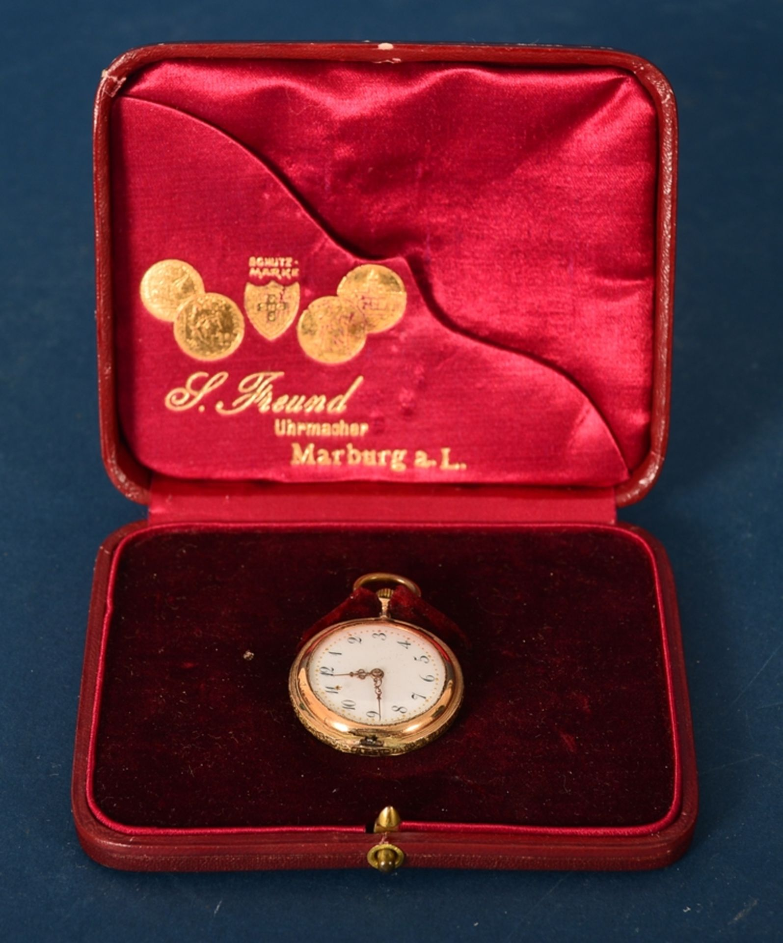 """585er Damen-Taschenuhr im Geschenketui des """"Uhrmacher S. Freund aus Marburg an der Lahn"""". Vorderer - Bild 2 aus 6"""
