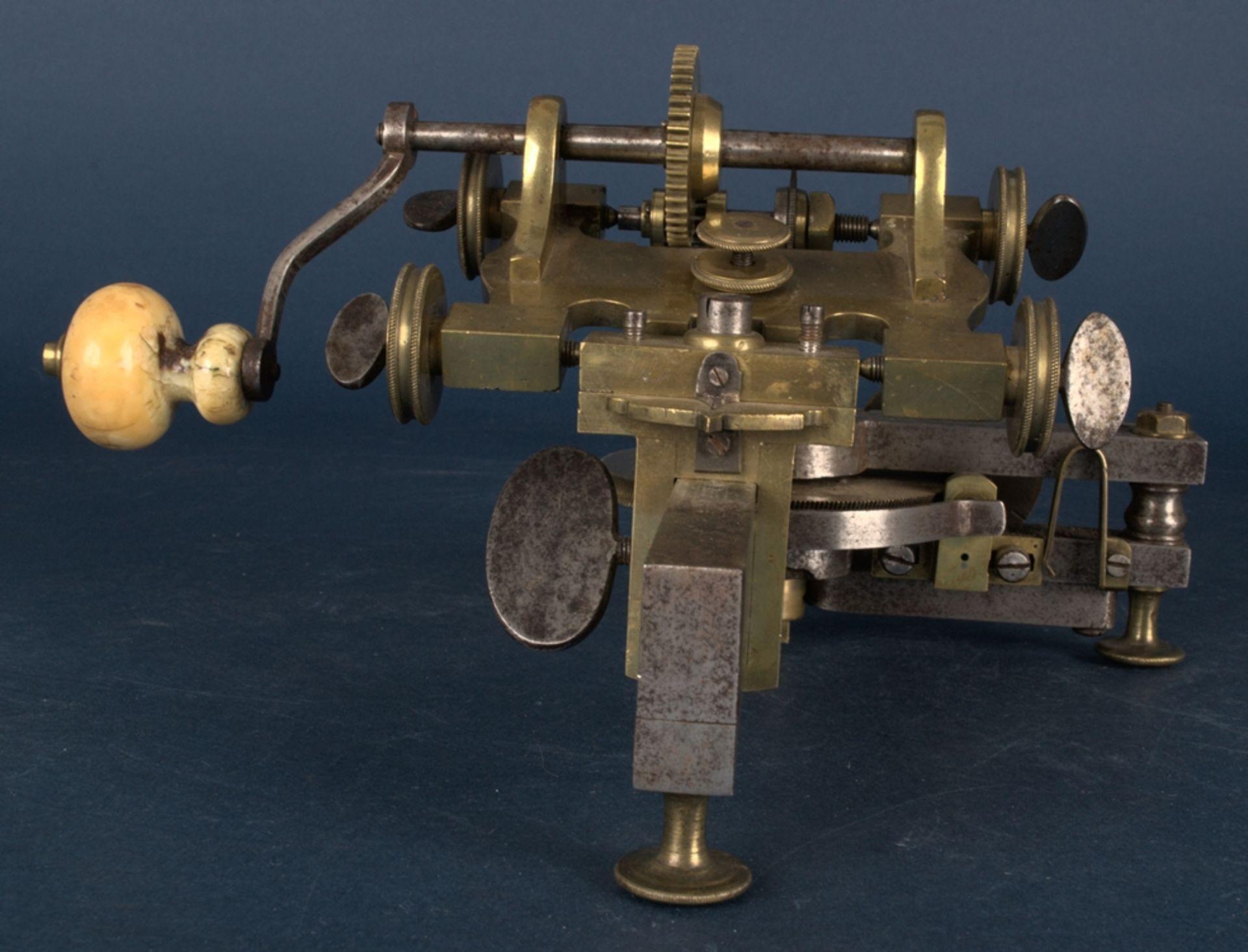 Zahnradfräsmaschine/Zahnräderschneidemaschine, frühes Uhrmacherwerkzeug, deutsch Mitte 18. Jhd., - Bild 23 aus 29