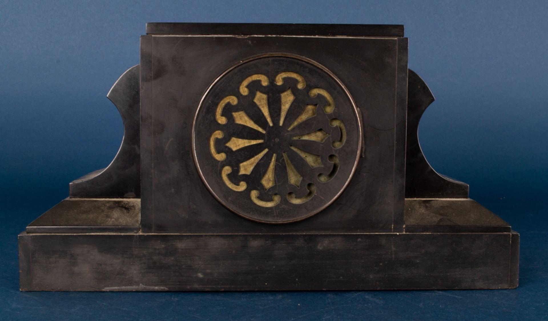 Antike Kaminuhr, schwarzes Marmorgehäuse, Frankreich um 1900, Messingvollplatinenwerk mit Schlag auf - Bild 5 aus 8