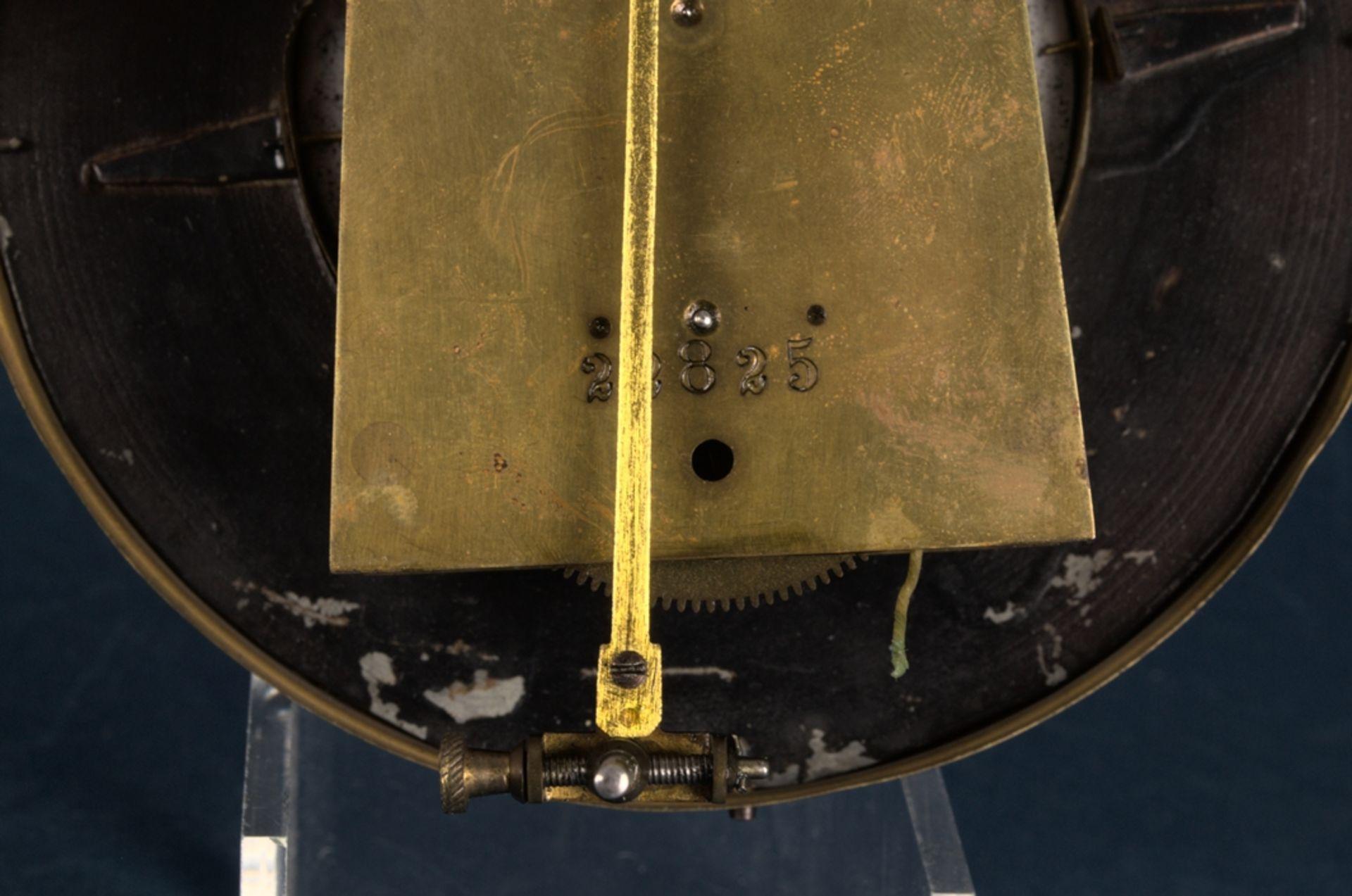 Wandregulator, eingewichtige, mechanische Wanduhr im Nussbaumgehäuse. Werk ungeprüft. Höhe ca. 95 - Bild 13 aus 19