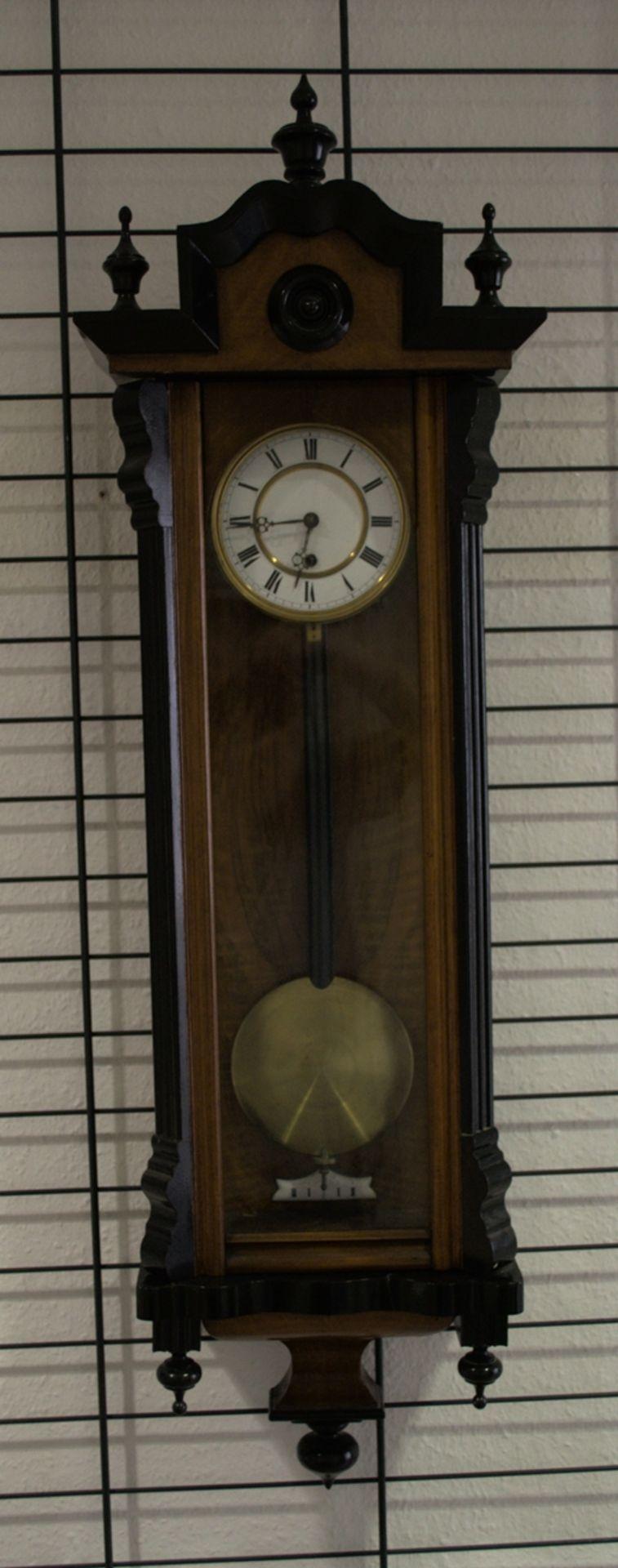 Wandregulator, eingewichtige, mechanische Wanduhr im Nussbaumgehäuse. Werk ungeprüft. Höhe ca. 95 - Bild 2 aus 19