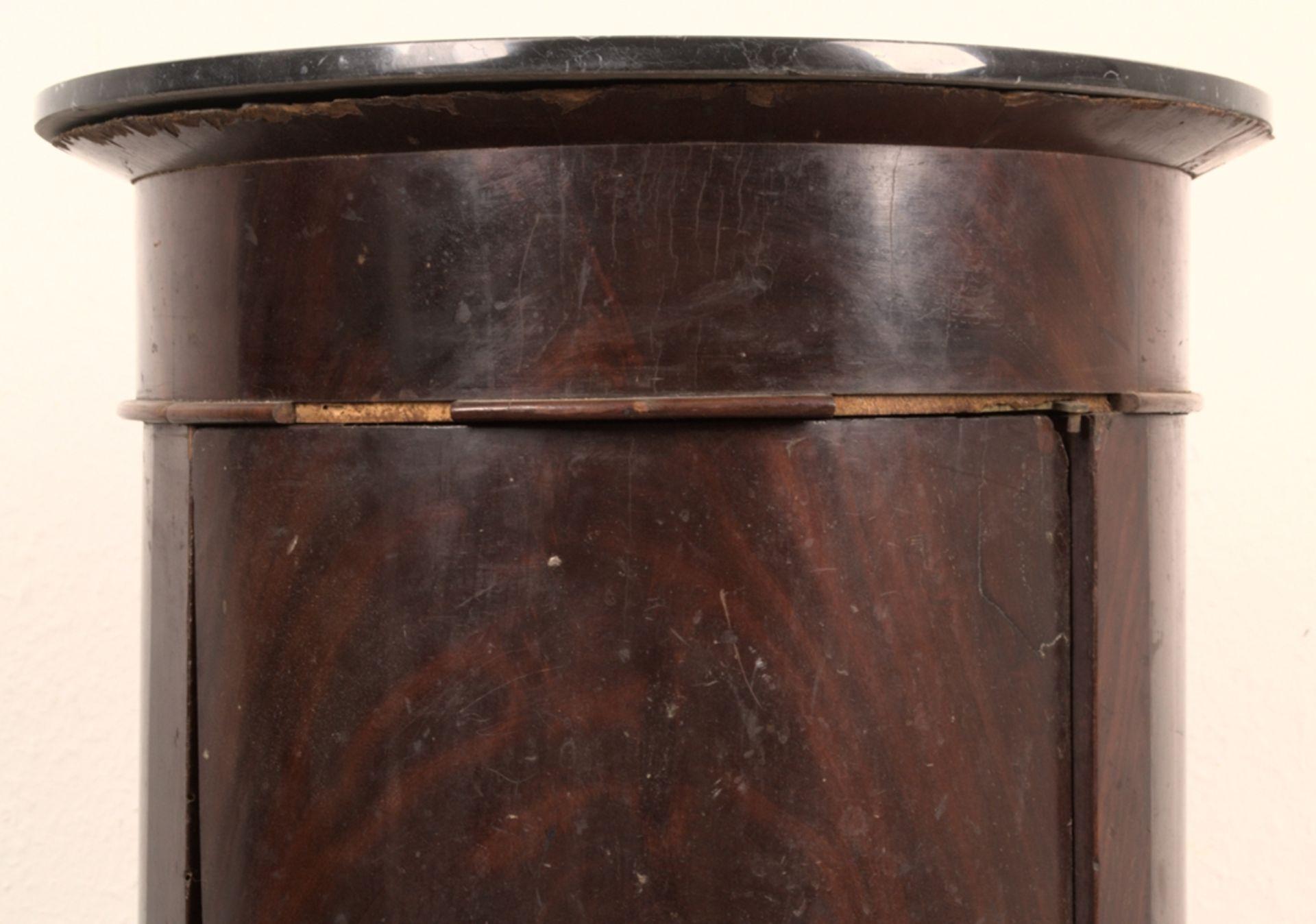 Antiker Säulenschrank/Trommelschrank, Biedermeier/Charles X, Frankreich 19./20. Jhd. Auf - Bild 3 aus 7