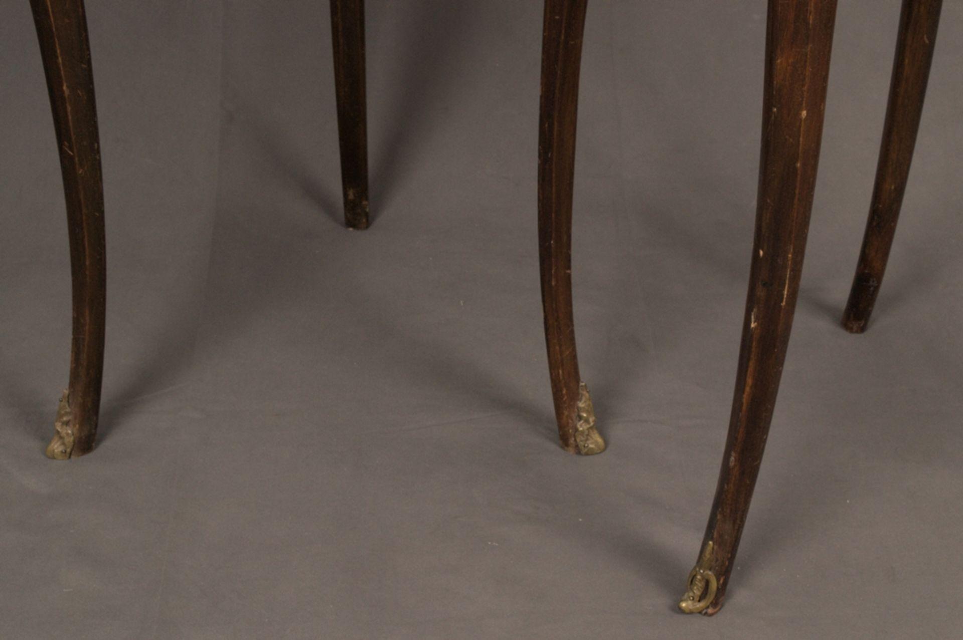 Paar eleganter, dreibeiniger Beistelltische sog. Gueridons, Frankreich 19./20. Jhd. Eintüriger - Bild 10 aus 19