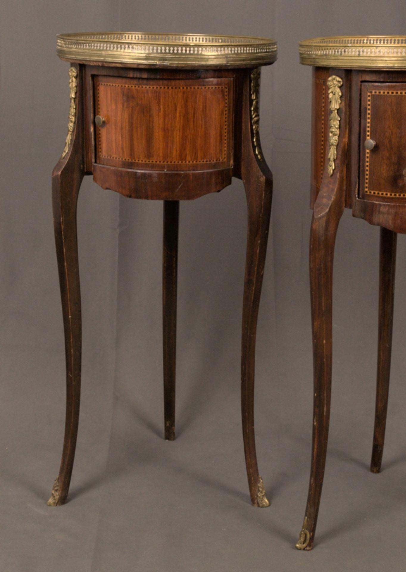 Paar eleganter, dreibeiniger Beistelltische sog. Gueridons, Frankreich 19./20. Jhd. Eintüriger - Bild 2 aus 19