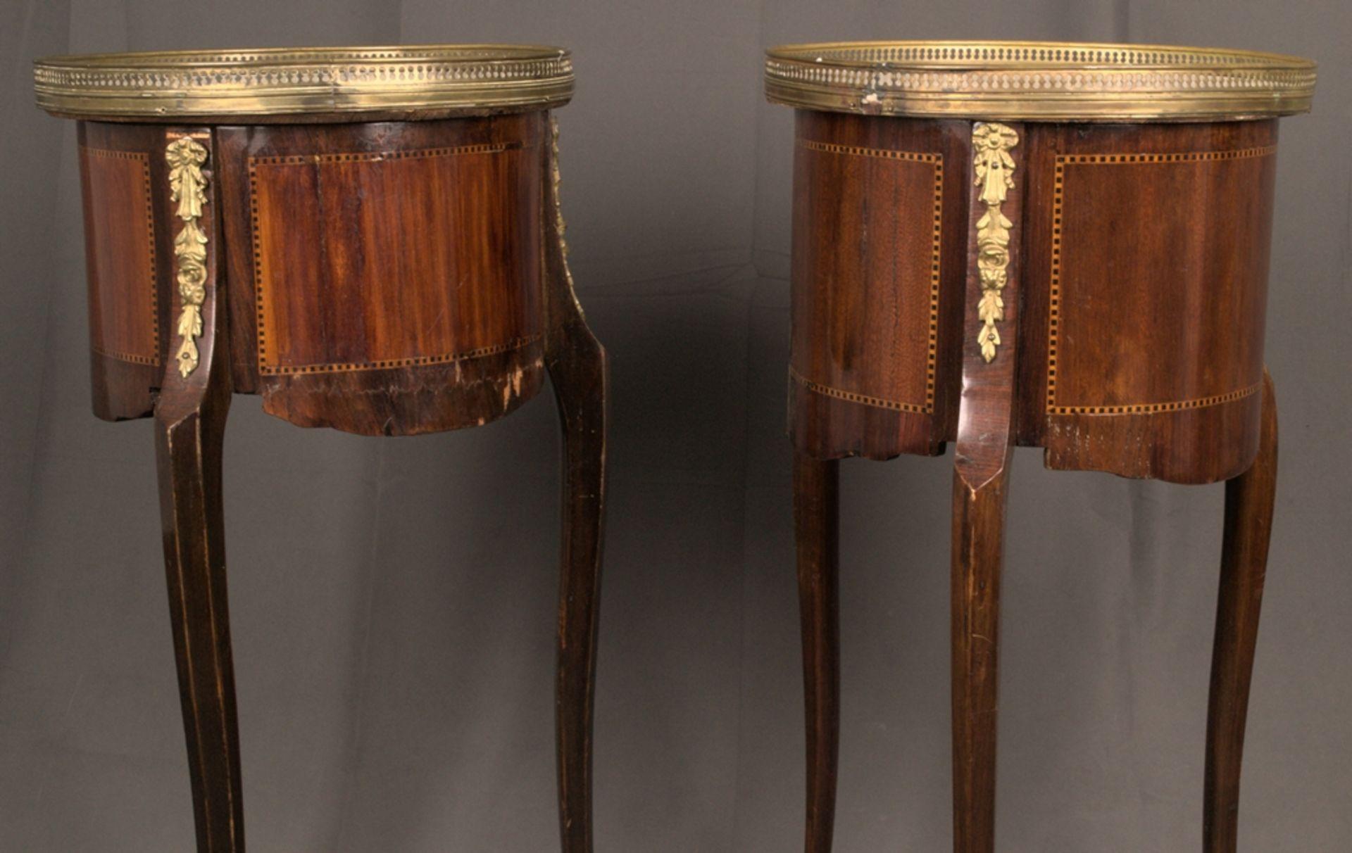 Paar eleganter, dreibeiniger Beistelltische sog. Gueridons, Frankreich 19./20. Jhd. Eintüriger - Bild 15 aus 19