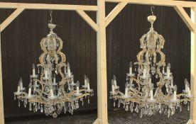 Paar imposanter 15flammiger, zweistöckiger Kristallglas-Lüster, lt. mündlicher Überlieferung bei