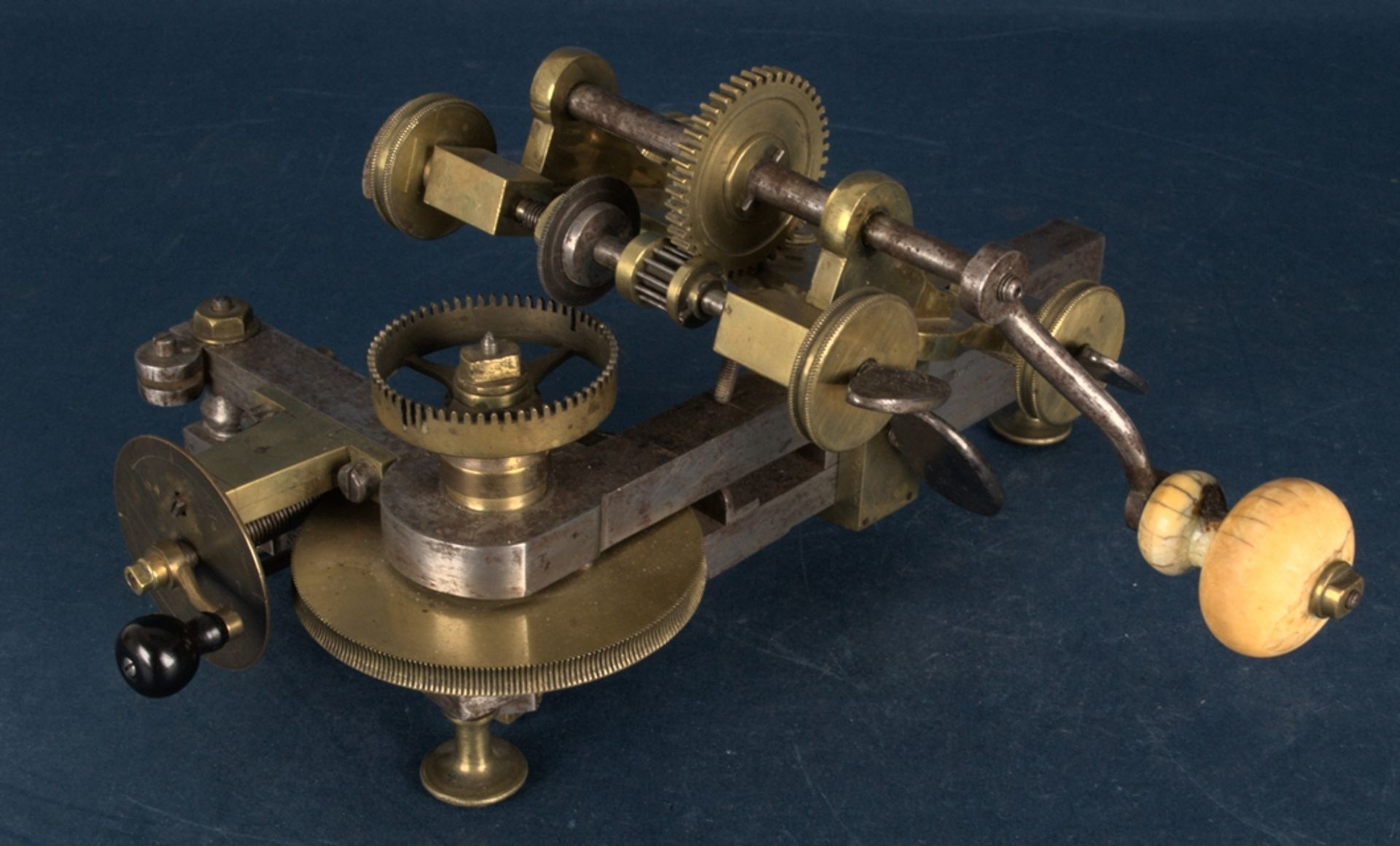 Zahnradfräsmaschine/Zahnräderschneidemaschine, frühes Uhrmacherwerkzeug, deutsch Mitte 18. Jhd., - Bild 26 aus 29