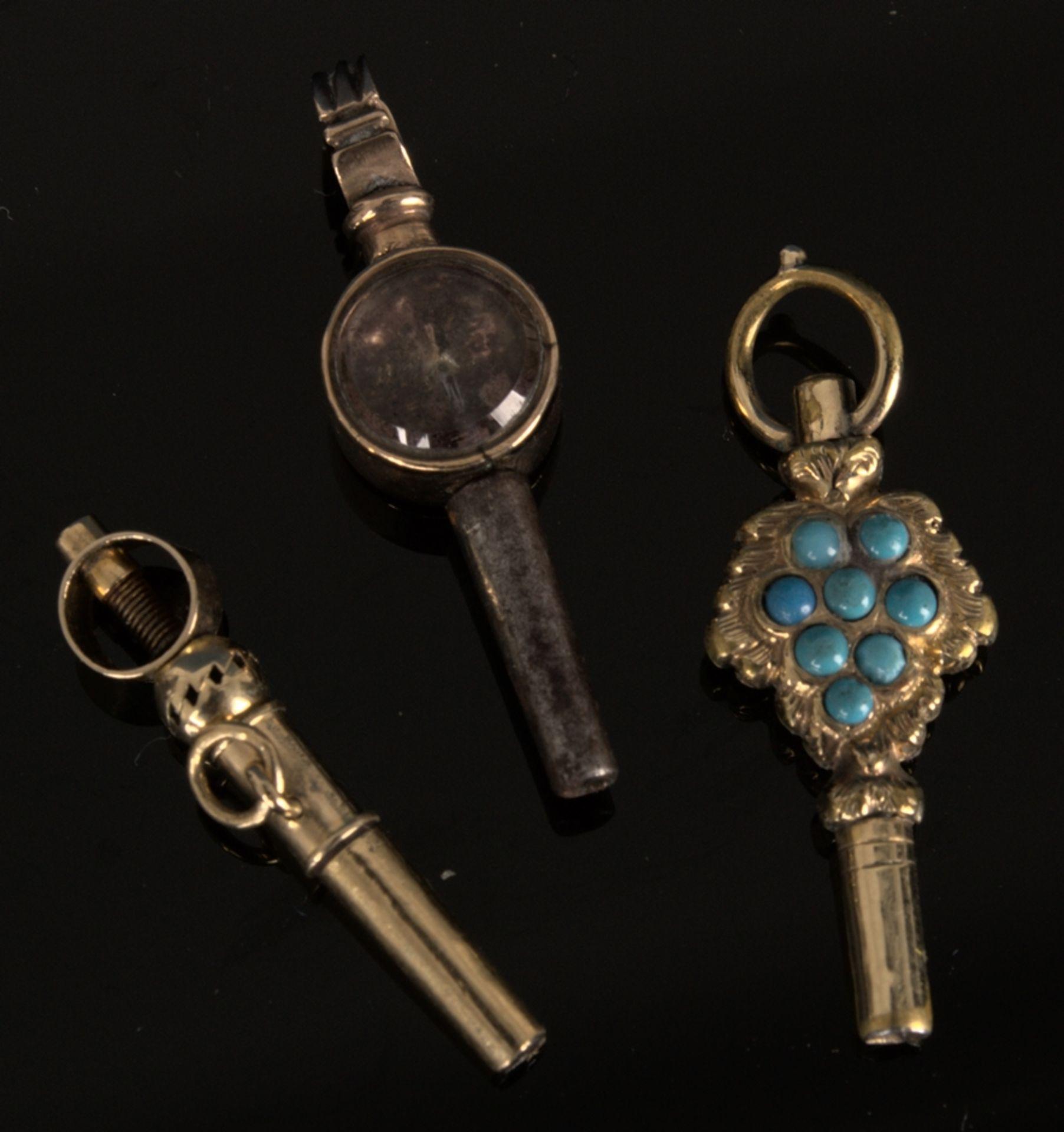 9teilige Sammlung versch. Taschenuhrenschlüssel, überwiegend 19. Jhd. Versch. Alter, Größen, - Bild 8 aus 18