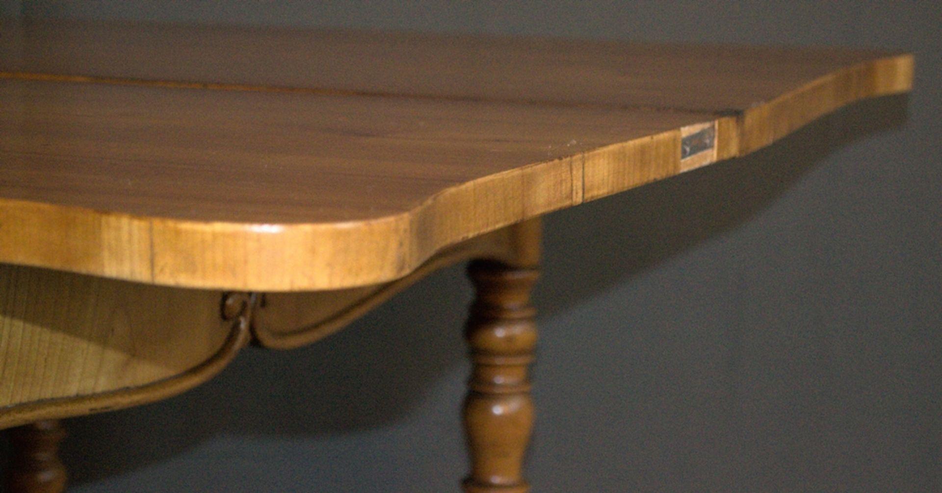 Konsoltisch/Spieltisch. Spätes Biedermeier um 1840/50. Kirschbaum massiv & furniert. Gepflegter - Bild 10 aus 24