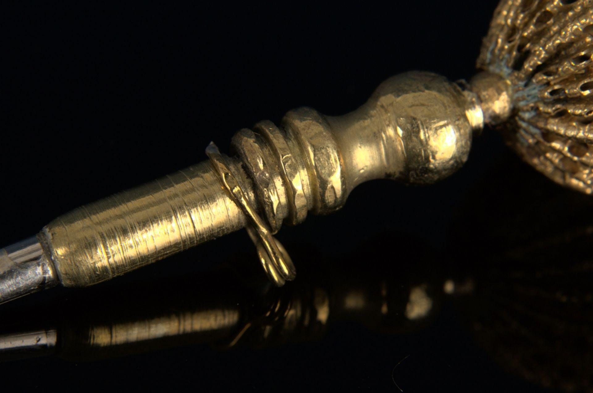 8teilige Sammlung versch. Taschenuhrenschlüssel, überwiegend 19. Jhd. Versch. Alter, Größen, - Bild 20 aus 24