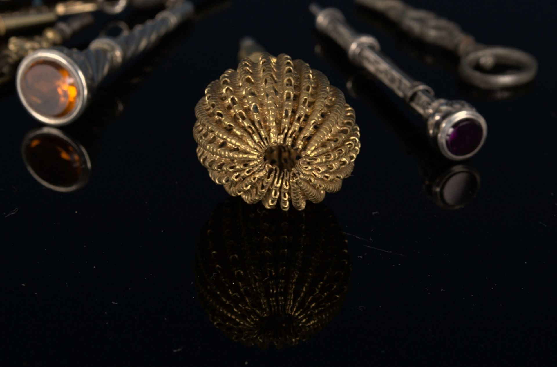 8teilige Sammlung versch. Taschenuhrenschlüssel, überwiegend 19. Jhd. Versch. Alter, Größen, - Bild 4 aus 24