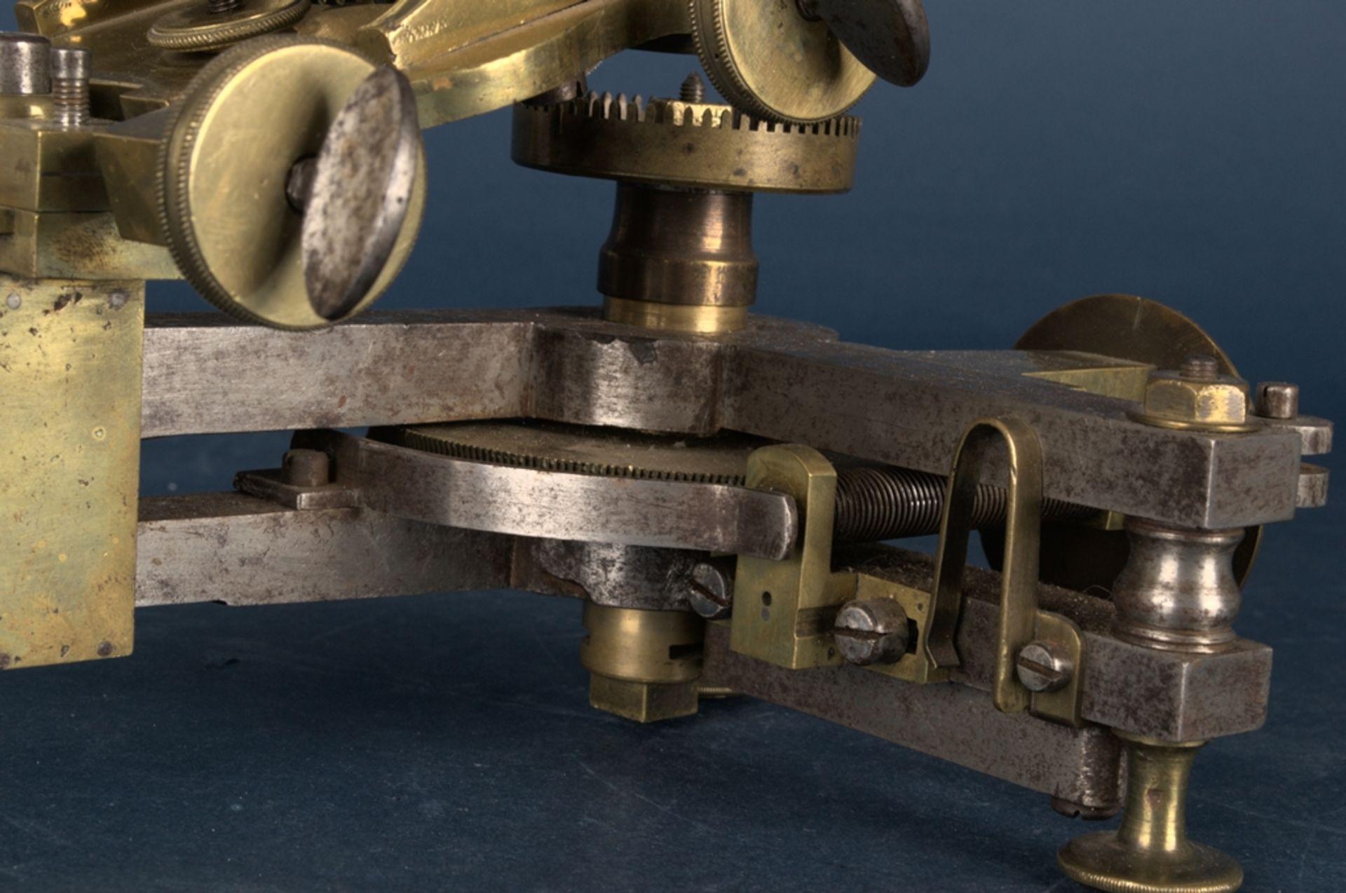 Zahnradfräsmaschine/Zahnräderschneidemaschine, frühes Uhrmacherwerkzeug, deutsch Mitte 18. Jhd., - Bild 20 aus 29