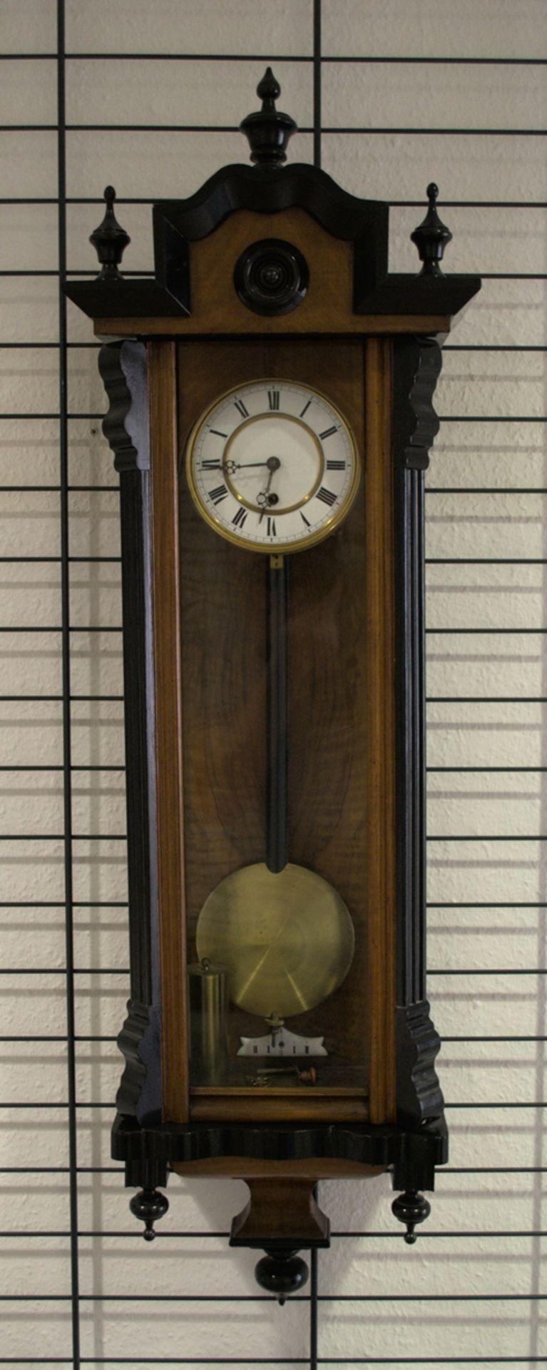 Wandregulator, eingewichtige, mechanische Wanduhr im Nussbaumgehäuse. Werk ungeprüft. Höhe ca. 95 - Bild 19 aus 19