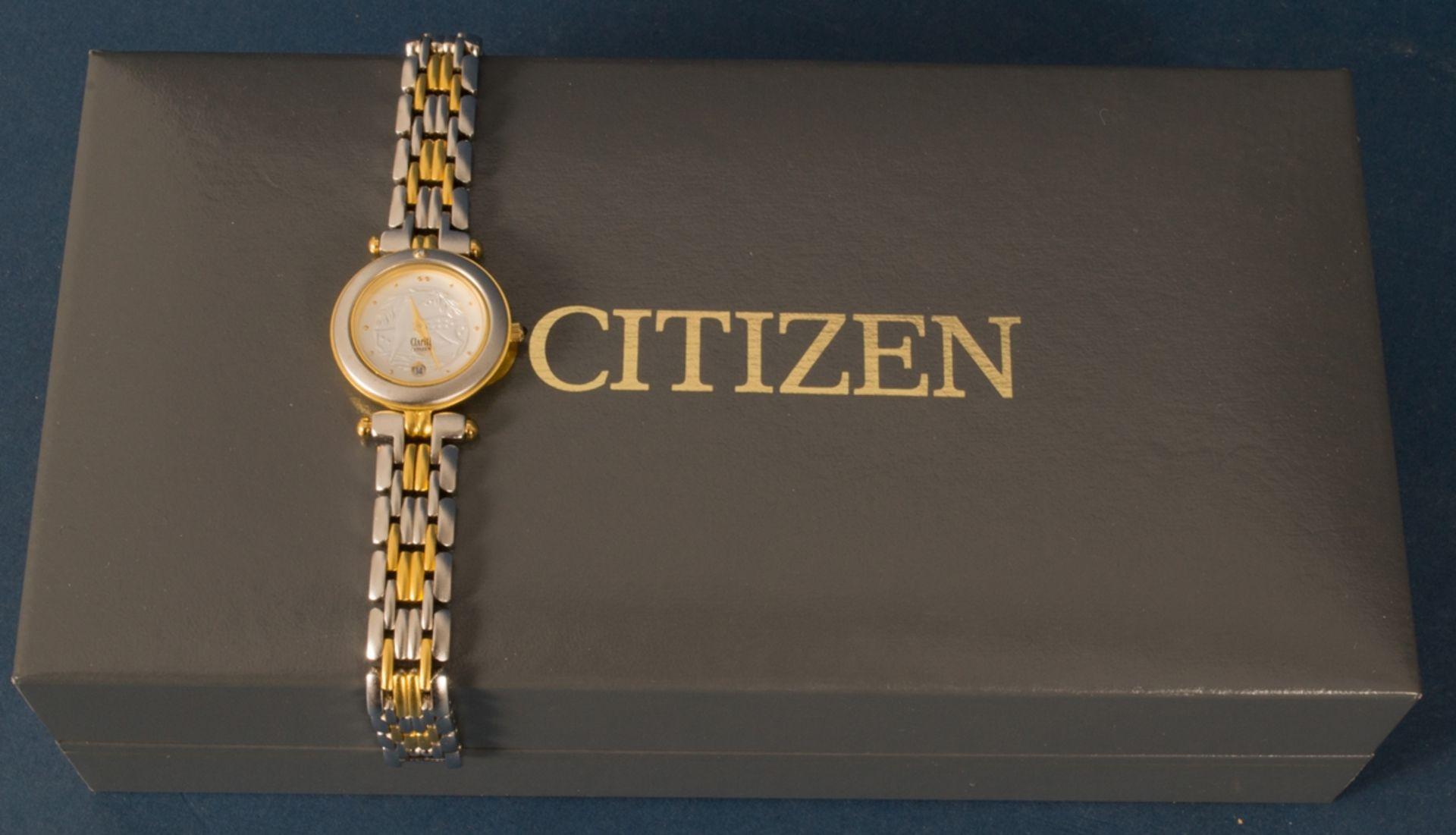CITIZEN - CLARITI - BICOLOR (Stahl/Gold) Damenarmbanduhr, Ziffernblatt mit figürlicher Vignette (Reh - Bild 8 aus 8