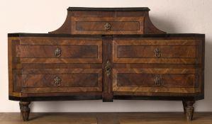 """Tischaufsatz sog. """"Cartonnier"""", Louis XVI, süddeutsch oder Österreich um 1780/90. Ausgesuchtes"""