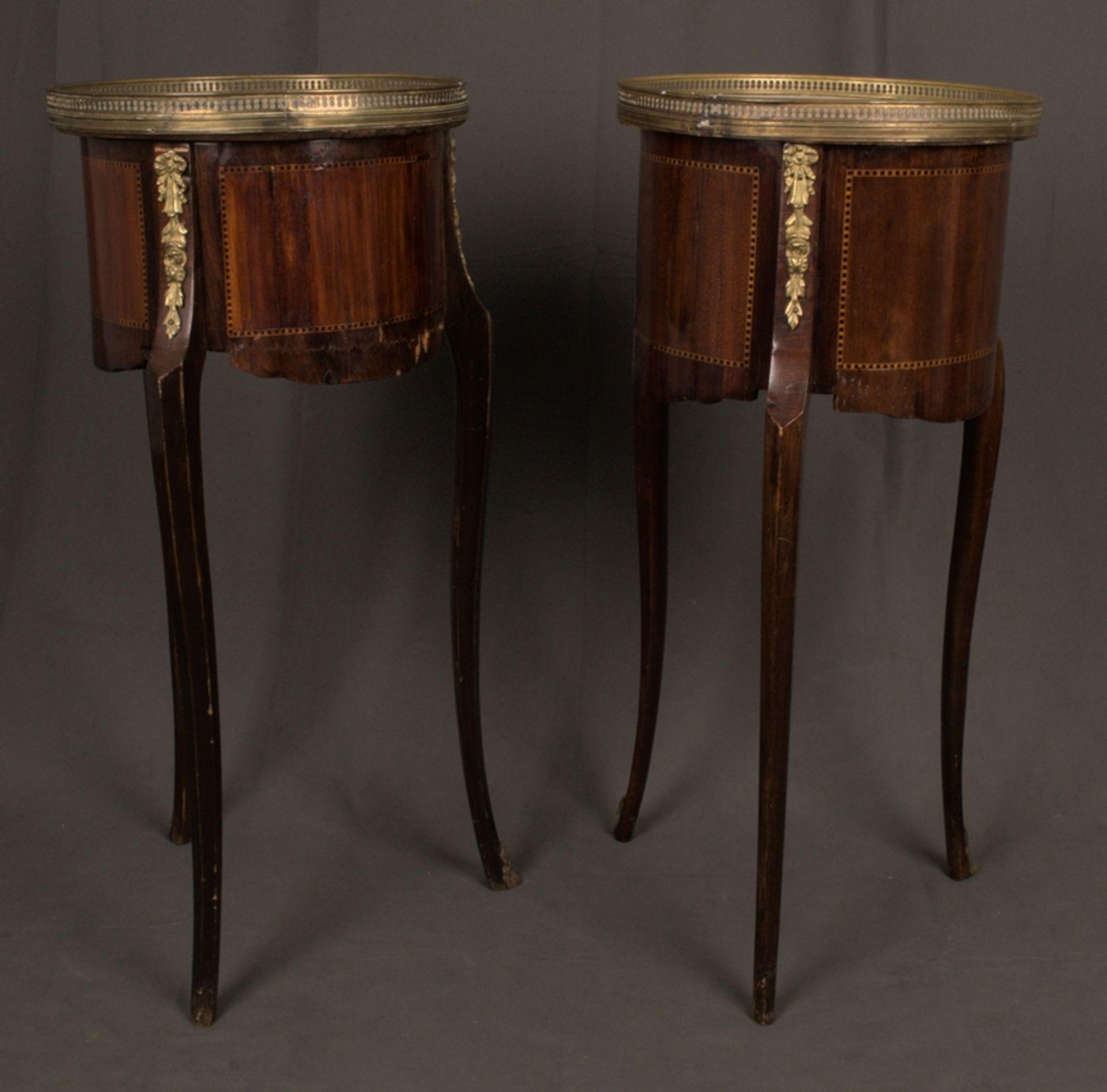 Paar eleganter, dreibeiniger Beistelltische sog. Gueridons, Frankreich 19./20. Jhd. Eintüriger - Bild 16 aus 19