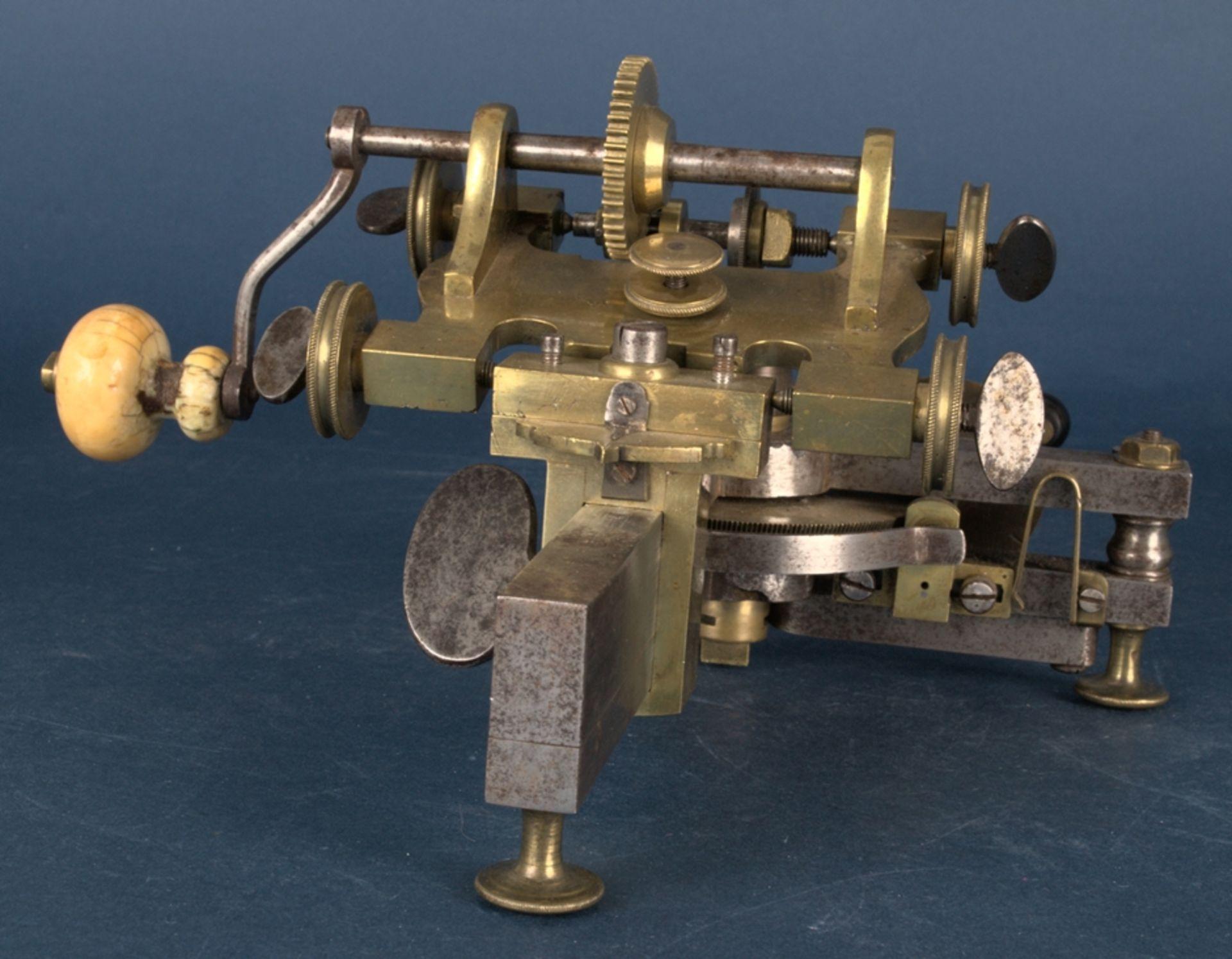 Zahnradfräsmaschine/Zahnräderschneidemaschine, frühes Uhrmacherwerkzeug, deutsch Mitte 18. Jhd., - Bild 5 aus 29