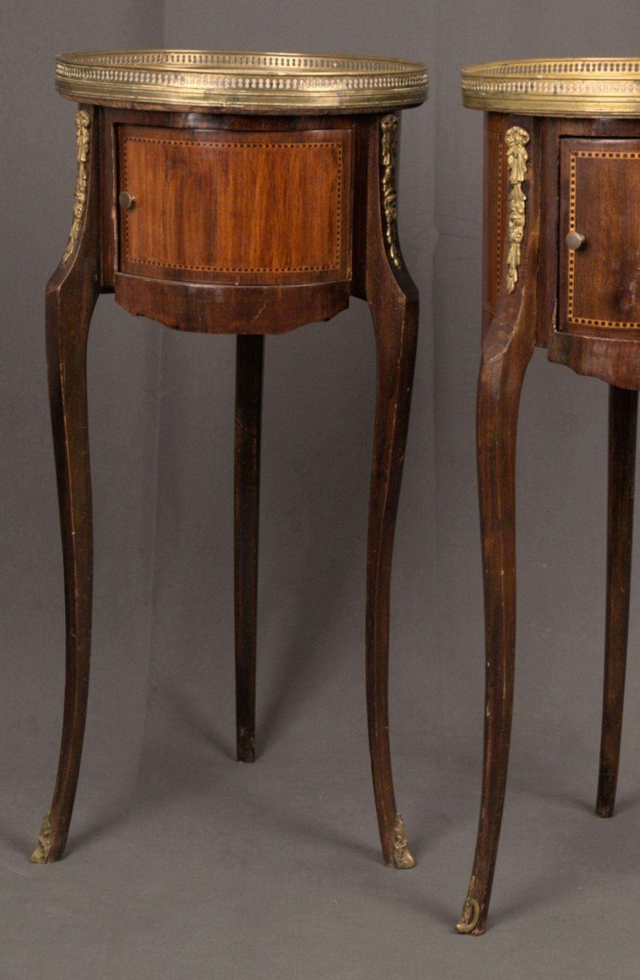 Paar eleganter, dreibeiniger Beistelltische sog. Gueridons, Frankreich 19./20. Jhd. Eintüriger - Bild 4 aus 19