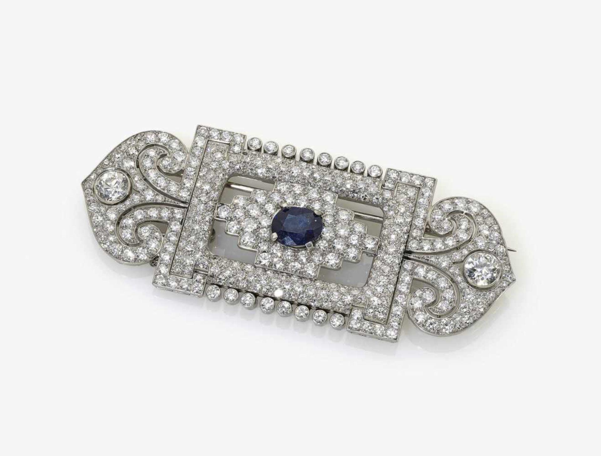Los 1019 - A Diamond and Sapphire Brooch