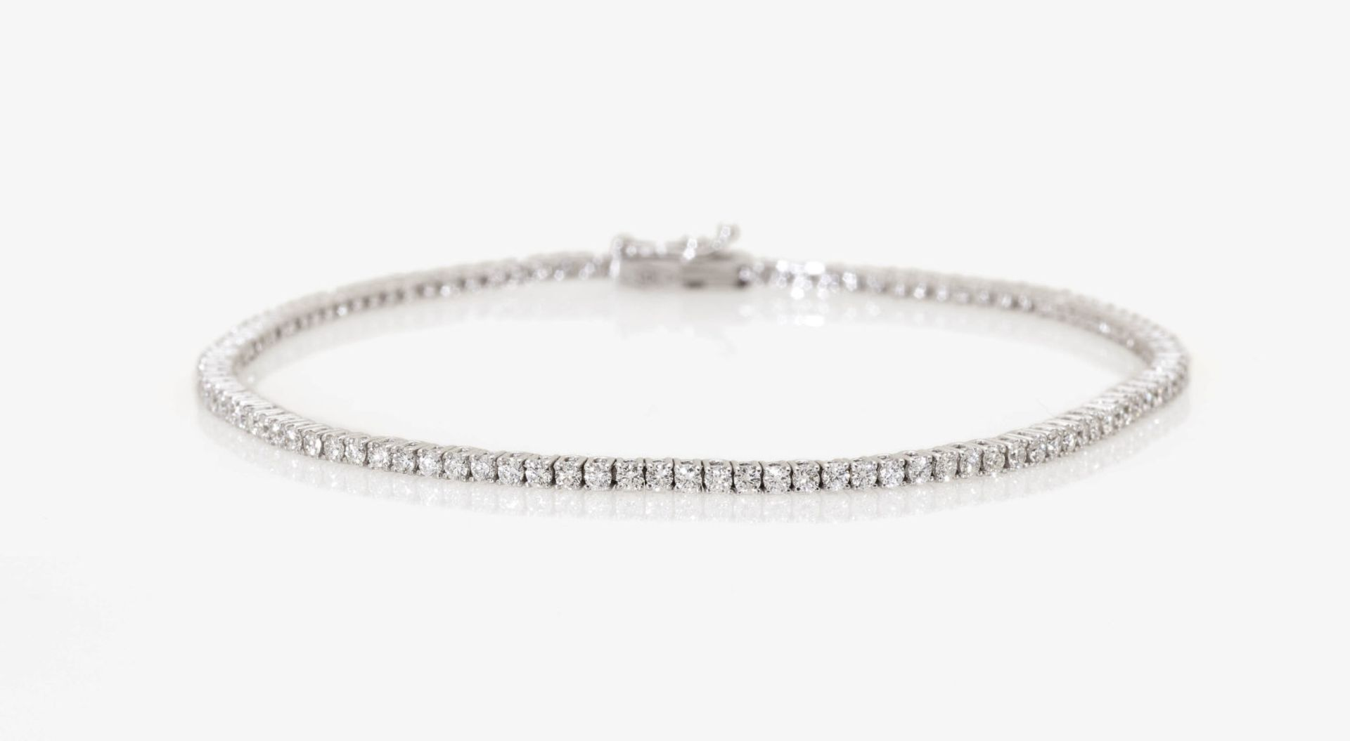 Los 1056 - A Diamond Tennis Bracelet