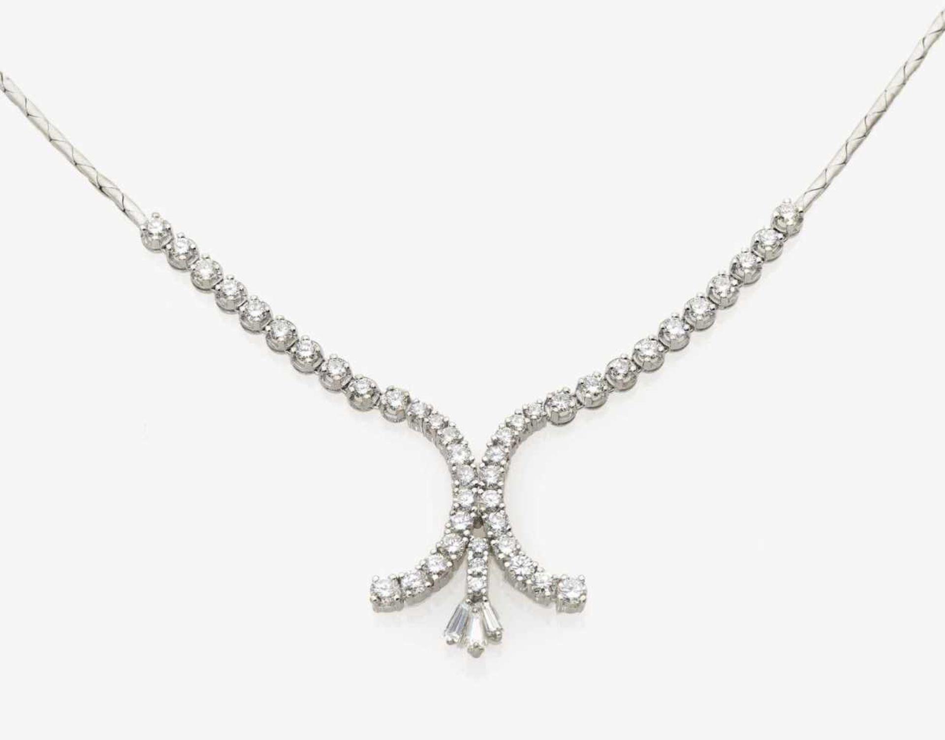 Los 1055 - A Diamond Necklace