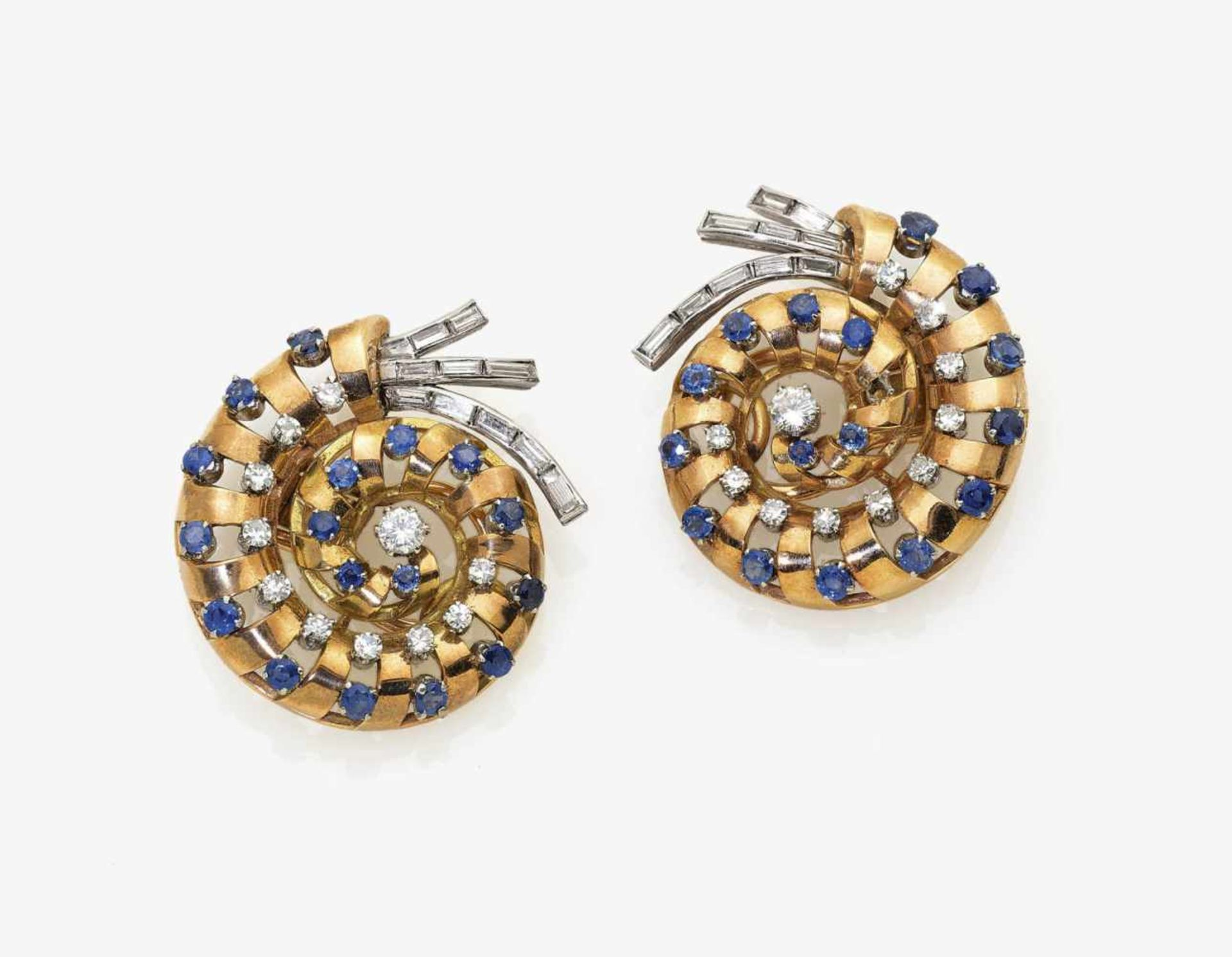 Los 1025 - A Pair of Sapphire and Diamond Ear Clips