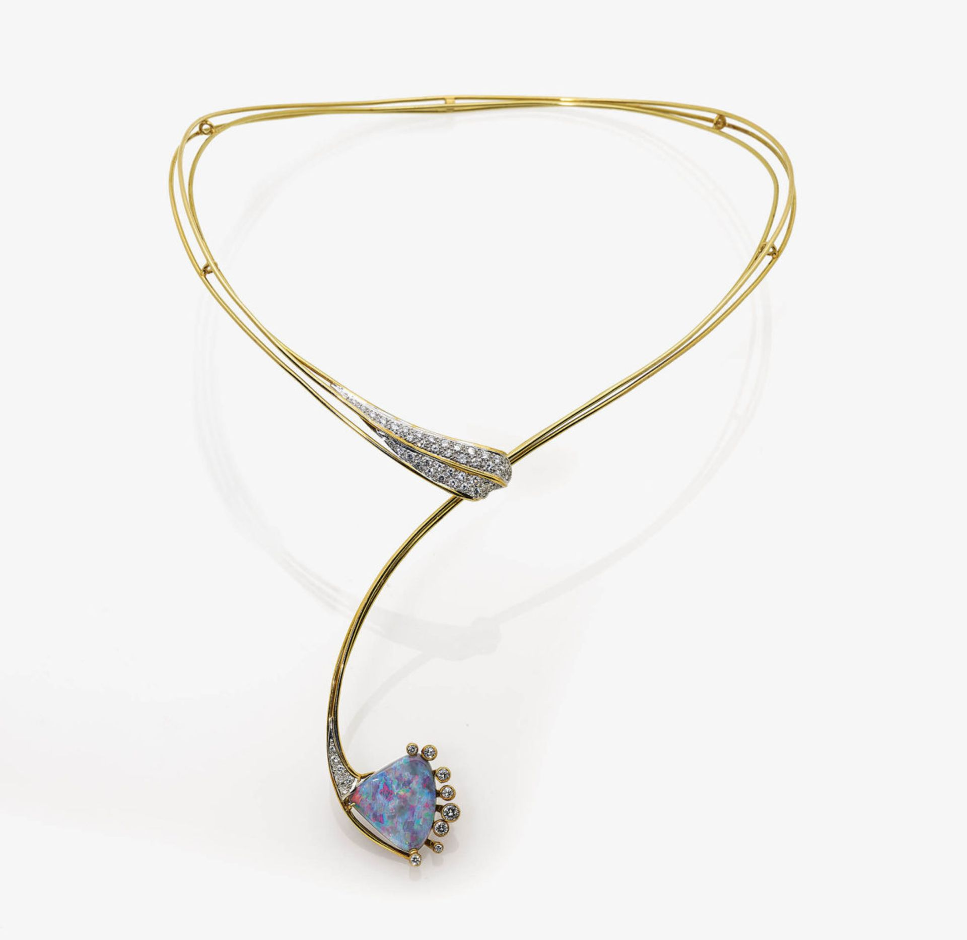 Los 1052 - An Opal and Diamond Necklace