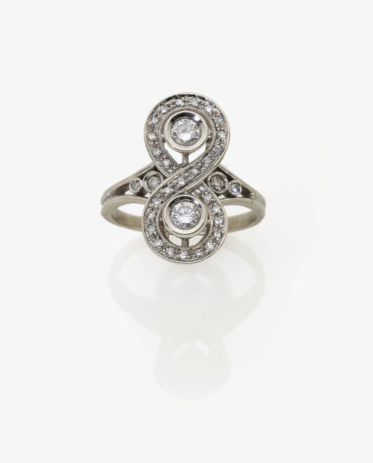 Los 1013 - A Diamond Ring
