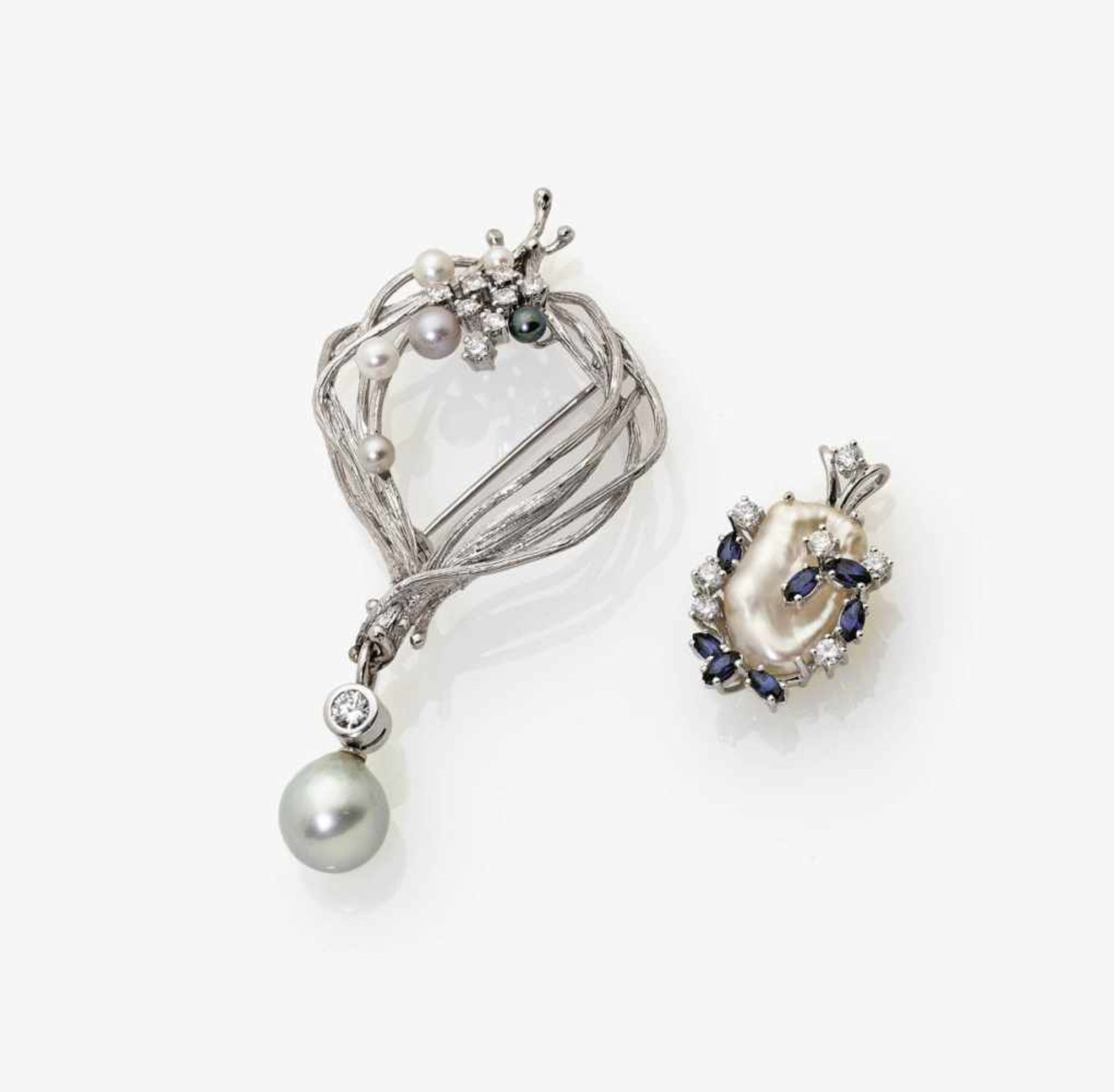Los 1051 - A Brooch and Pendant set with Cultured Pearls, Diamonds and Sapphires