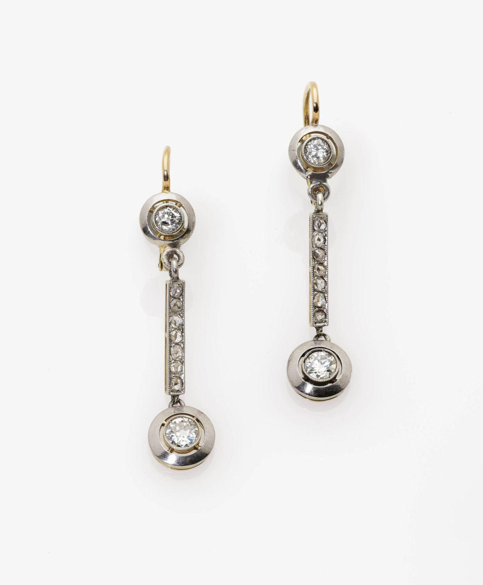 Los 1015 - A Pair of Diamond Earrings
