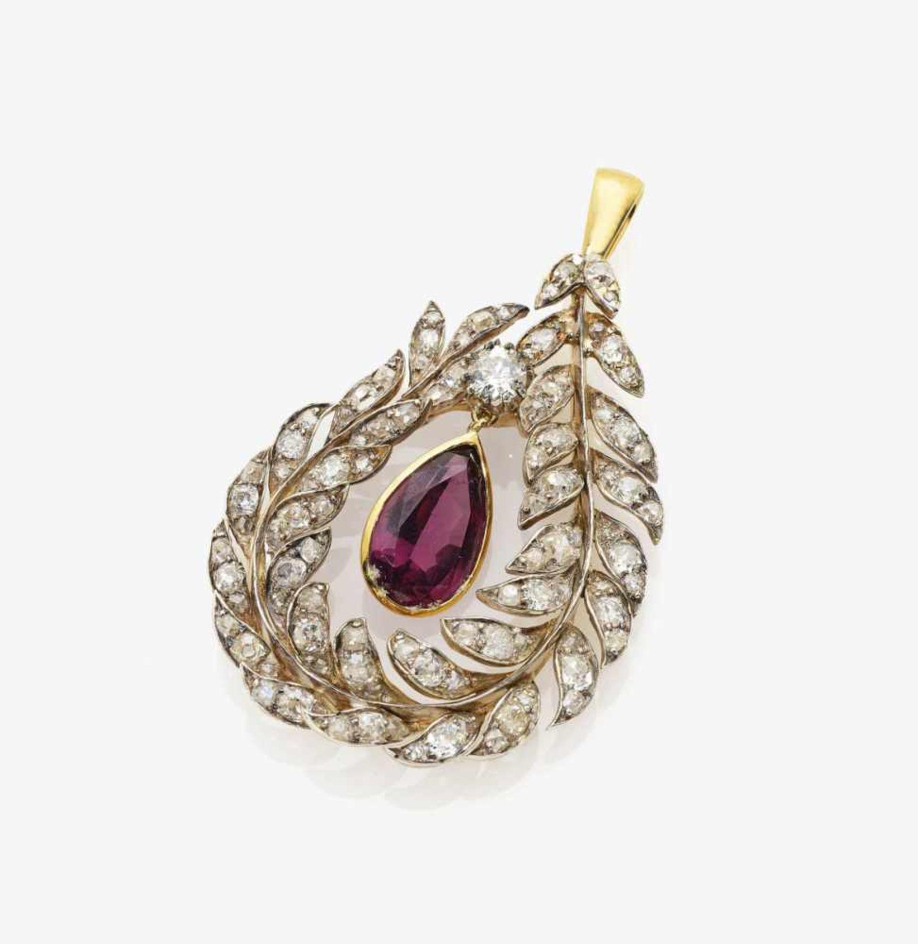 Los 1008 - A Diamond and Garnet Pendant
