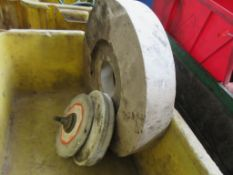 LOT OF GRINDING WHEELS