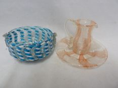 Murano - Three latticino glass items, comprising a bowl, of blue and white flattened twist fused
