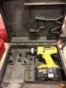 Dewalt 18 volt cordless drill w/ battery & case