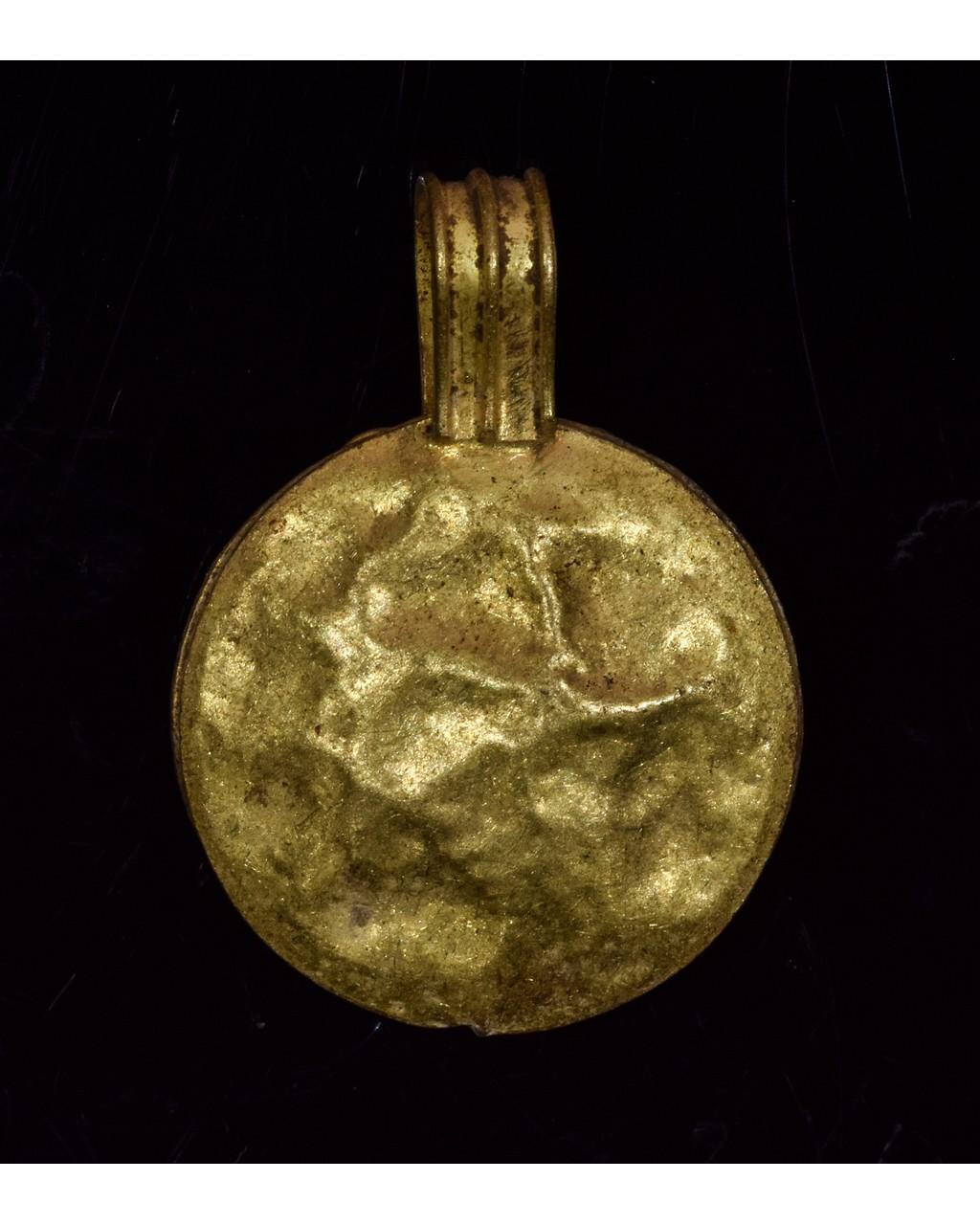 Lot 46 - ROMAN GOLD BULLA PENDANT